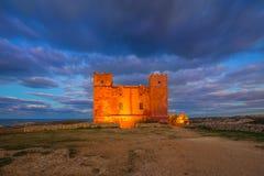 il, Malta - St Agatha ` s rewolucjonistki wierza przy błękitną godziną Obraz Stock