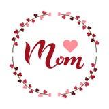 Il manifesto disegnato a mano dell'iscrizione di tipografia della mamma di amore con i rami avvolge il fondo Fotografia Stock Libera da Diritti