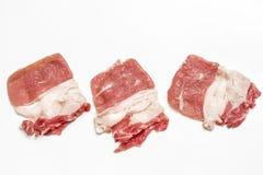 Il manzo affettato per Sukiyaki ha isolato su fondo bianco Stile di natura morta Fotografia Stock Libera da Diritti