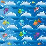Il mare blu con gli agnelli di schiuma bianca sulle onde e su pochi di piccoli pesci colorati multi illustrazione vettoriale