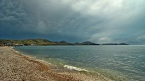 Il mare, la vigilia di un temporale fotografie stock libere da diritti