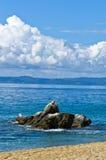 Il mare oscilla al primo mattino in Sithonia, Chalkidiki Fotografia Stock Libera da Diritti