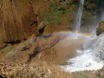 Il Marocco, Ouzoud cade con l'arcobaleno Immagini Stock