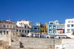 Il Marocco - Tangeri alloggia vicino alla fortezza antica in vecchia città Fotografie Stock