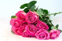 Il mazzo del fondo floreale delle rose rosa è fuoco molle selettivo d'annata della tenerezza di amore retro Fotografie Stock
