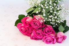 Il mazzo del fondo floreale delle rose rosa è fuoco molle selettivo d'annata della tenerezza di amore retro Fotografia Stock Libera da Diritti