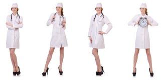 Il medico attraente della donna con stetothcope isolato su bianco Fotografia Stock Libera da Diritti