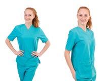 Il medico della donna in uniforme che sfoglia su isolato su bianco Fotografie Stock