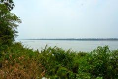 Il Mekong in Kratie, Cambogia durante il periodo di siccit? immagini stock