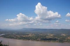 Il Mekong sul fondo del cielo blu Fotografie Stock Libere da Diritti