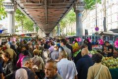 Il mercato di strada di Parigi Immagini Stock Libere da Diritti