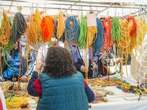 Il mercato di strada tipico della città di Madrid Fotografie Stock
