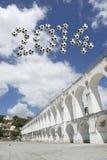 Il messaggio 2014 di calcio del Brasile Arcos da Lapa incurva Rio de Janeiro Immagine Stock Libera da Diritti
