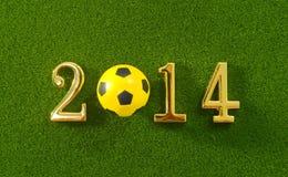 il messaggio 2014 fa del pallone da calcio di numeri e di calcio del metallo sul g Immagine Stock