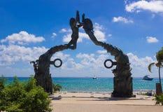 Il Messico, Playa del Carmen, ingresso maya della scultura portale di maya Fotografia Stock