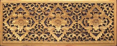 Il mestiere di legno tailandese di arti in tempio pubblico ha isolato il bianco Fotografie Stock