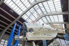 Il mezzo sommergibile di Alvin sulla mostra nel museo marittimo La Cite de La Mer o città del mare a Cherbourg, Francia fotografia stock libera da diritti