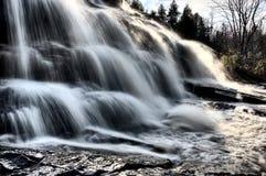 Il Michigan del Nord sulle cadute dell'obbligazione delle cascate Immagini Stock Libere da Diritti
