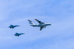 Il-78 (Midas) aerial refueling tanker and  2 Su-34 (Fullback) Stock Photos