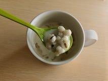 Il miglio, i fagioli della soia ha bollito in acqua Gusto delizioso La Tailandia, la gente gradisce mangiare per la prima colazio immagini stock