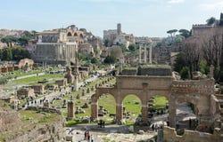 Il migliore punto di vista di Roman Forum antico dalla piattaforma di osservazione di Capitol Hill La piattaforma di osservazione fotografia stock libera da diritti