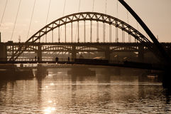 Il millennio ed i ponti di Tyne. Newcastle sopra Tyne. Fotografia Stock