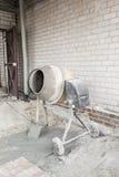 Il miscelatore di cemento Fotografie Stock Libere da Diritti