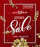 Il modello del buon anno e di Buon Natale delle insegne di vendite con il Natale si piega con le decorazioni su un fondo rosso Immagine Stock