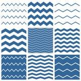 Il modello del gallone di vettore delle mattonelle ha messo con il marinaio fondo blu e bianco di zigzag royalty illustrazione gratis