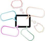 il modello del pc del ridurre in pani di tocco 3d con discorso bolle Immagini Stock Libere da Diritti