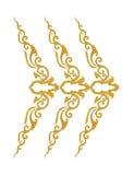 Il modello del telaio del metallo dell'oro scolpisce il fiore su bianco Fotografia Stock Libera da Diritti