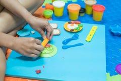 Il modello educativo del gioco gioca per il bambino creativo per il concep dei bambini fotografie stock