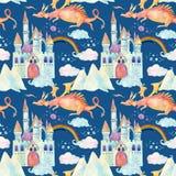 Il modello senza cuciture di fiaba dell'acquerello con il drago sveglio, il castello magico, le montagne ed il fatato si appanna Immagine Stock