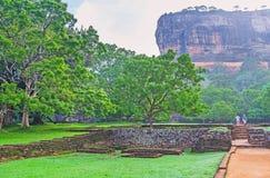 Il modo alla roccia di Sigiriya fotografie stock