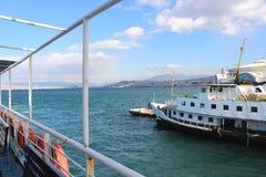 Il momento istantaneo ha sparato della vista della barca dalla barca Immagine Stock
