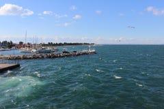 Il momento istantaneo ha sparato della vista del mare dal porto Immagine Stock Libera da Diritti