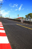 Il Monaco, Monte Carlo. Sainte dedica l'asfalto diritto della corsa, circuito del Gran Premio Immagine Stock