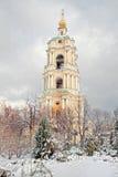 Il monastero antico è in città Mosca Immagine Stock