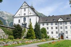 Il monastero di Engelberg sulle alpi svizzere Immagini Stock Libere da Diritti