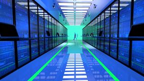 Il monitor terminale nella stanza del server con il server tormenta in centro dati Fotografia Stock