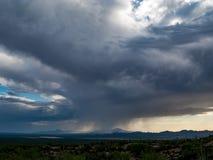 Il monsone si appanna la pioggia ed il cielo sopra il sud-ovest Fotografie Stock Libere da Diritti