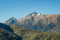 Il montagnes de Krasnaya Polyana en automne photographie stock libre de droits