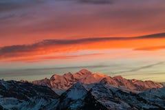 Il Monte Bianco al tramonto nelle alpi francesi Fotografia Stock