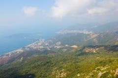 Il Montenegro, Rafailovici vista sulla spiaggia del mare Immagine Stock