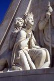 Il monumento alla scultura di architettura del monumento di Lisbona Portogallo di scoperte Immagini Stock Libere da Diritti