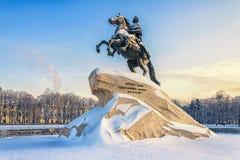 Il monumento bronzeo del cavallerizzo sul quadrato del senato Fotografie Stock