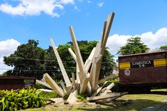 Il monumento del tren il blindado con il bulldozer in Santa Clara, Cuba fotografie stock libere da diritti