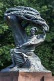 Il monumento di Chopin al parco di Lazienki a Varsavia, Polonia immagine stock libera da diritti