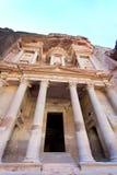 Il monumento di Ministero del Tesoro nel PETRA antico della città Fotografie Stock Libere da Diritti