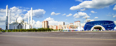 Il monumento Eli kazako nella città di Astana immagine stock libera da diritti